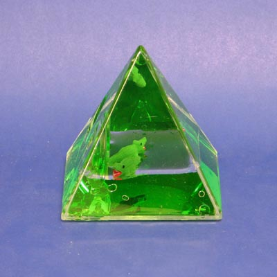 Paperweight Penstand Pyramid Crocodile
