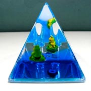Paperweight Penstand Pyramid Frog